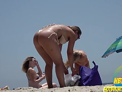 Sexy Swimsuit Hot Rump teens Spied At The Beach Spycam