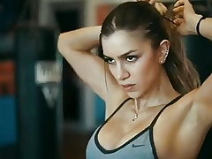 Anllela Sagra. Covert strong, muscular and scaring hands